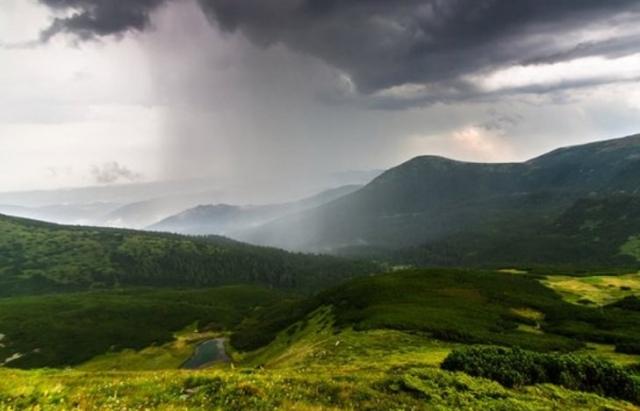 Цього тижня на Закарпатті знову прогнозують дощі та грози