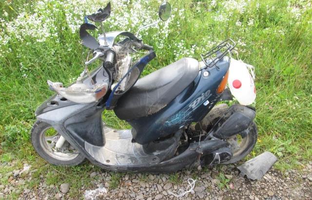 Смертельна ДТП на Тячівщині: 79-річний водій скутера помер від зіткнення з Mercedes (ФОТО)
