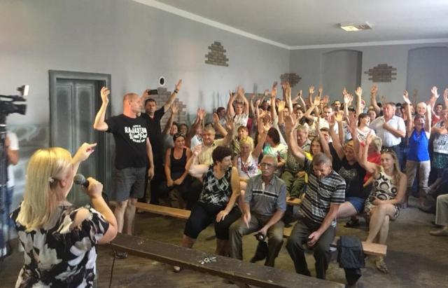 Громада села Ключарки за приєднання до Мукачева в ОТГ попри рішення депутатів сільради (ФОТО)