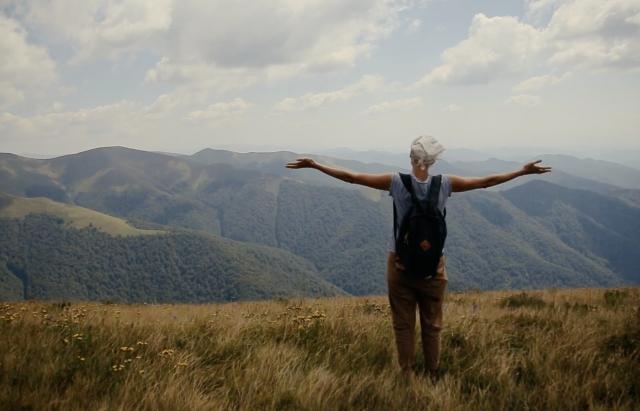 Вражає!  Закарпатська полонина, з якої видно півсвіту (відео)