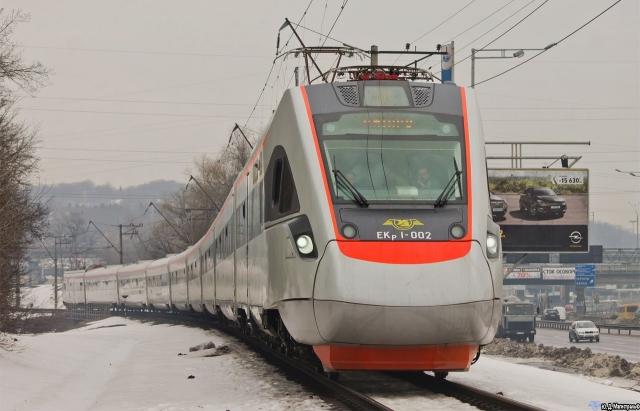 Залізниця протестувала швидкісний потяг