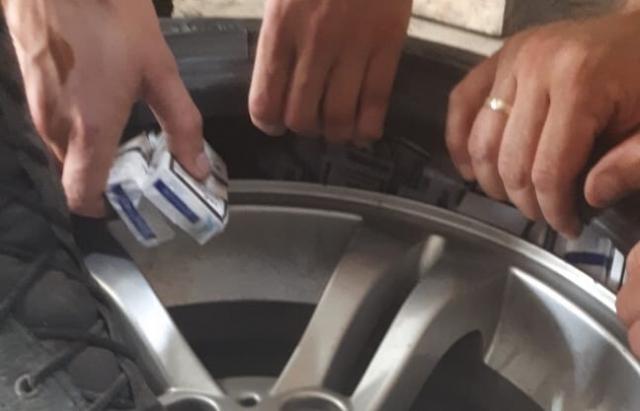 На КПП «Солотвино» у румуна вилучили BMW Х3, нашпигований контрабандою (ФОТО)