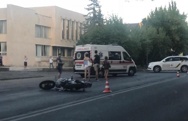 На Собранецькій в Ужгороді сталася ДТП з мотоциклістом