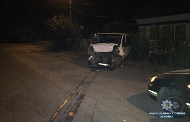 Вночі на Тячівщині джип Toyota протаранив мікроавтобус Renault з 8-річною дитиною (ФОТО)