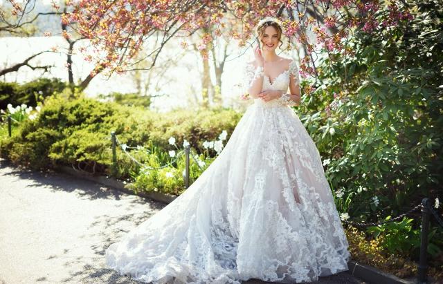 54661d07dfb75f Що краще: відкрити фірму з організації весілля або весільний салон ...
