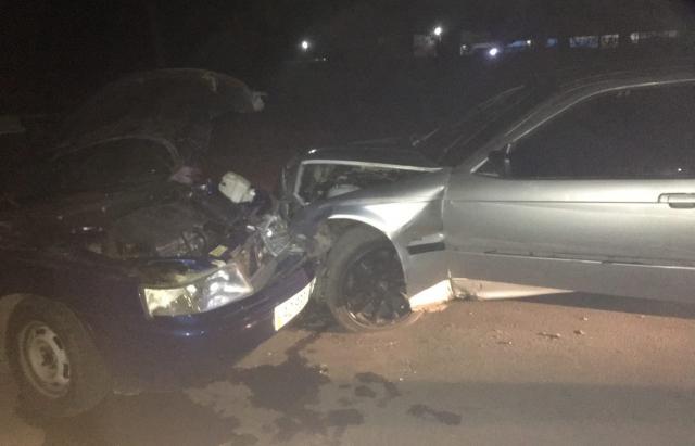 ДТП у Мукачеві: лоб в лоб зіткнулися BMW та ВАЗ (ФОТОФАКТ)