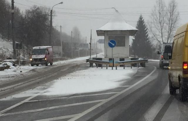 Попри мокрий сніг на перевалах Закарпаття, проїзд забезпечений