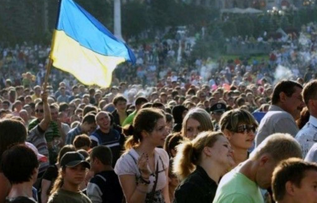 35% українців вважають, що права ромів можна обмежити