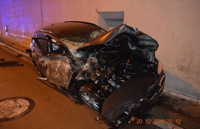 """Словацький """"Бетмен"""": водій на BMW буквально влетів у тунель (ФОТО, ВІДЕО)"""