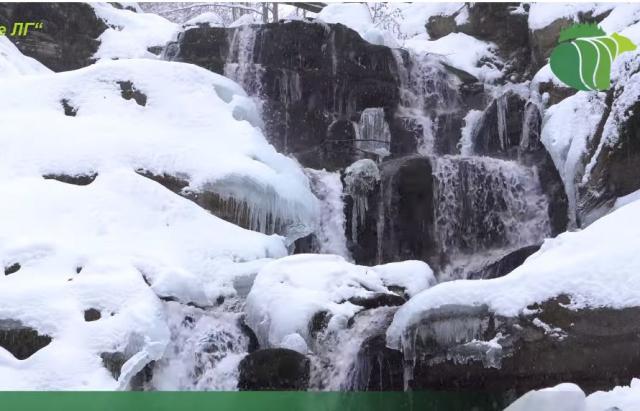 Відео дня: Неймовірна краса замерзлого водоспаду Шипіт (ВІДЕО)