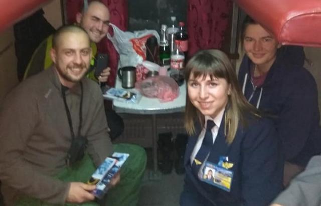 Як закарпатці Новий рік зустрічали в потязі Одеса — Ужгород (ФОТО)