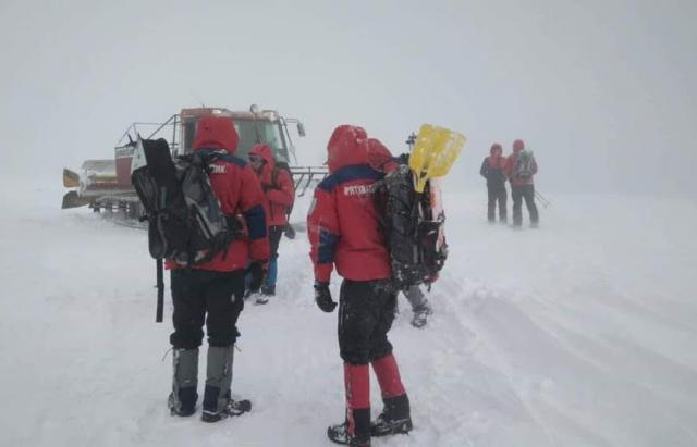 Живий, але дуже змерз: Загублений у Карпатах лижник вийшов на зв'язок