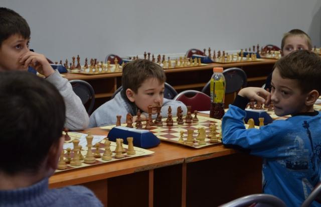 Шаховий турнір в Мукачеві: На змагання приїхали діти із 13-ти областей (ФОТО)