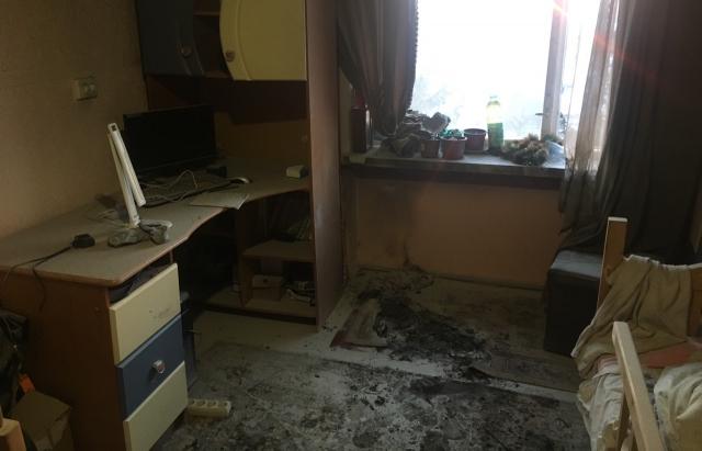 Ялиночка горить: в Мукачеві через новорічні гірлянди спалахнула квартира (ФОТО)