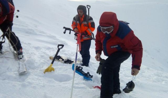 Рятувальники знайшли тіло туриста, який загинув під лавиною (ФОТО)