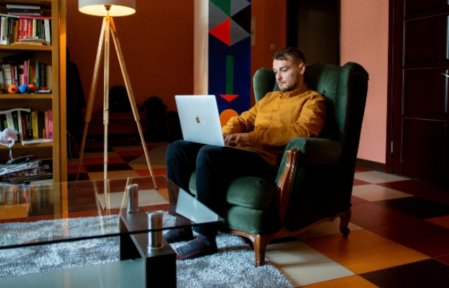 Історія успіху: Як закарпатець поїхав у США і став програмістом в Apple (ФОТО)