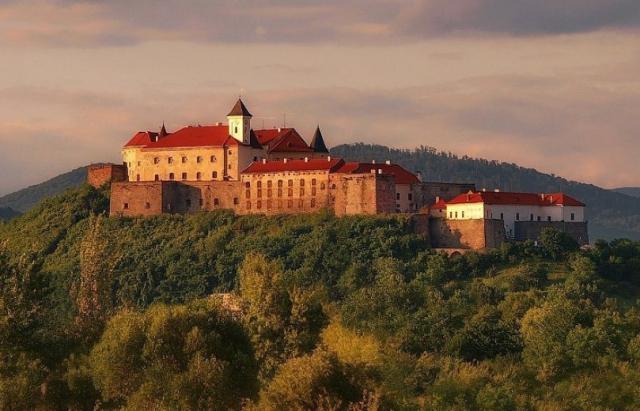 """Замок """"Паланок"""" запрошує відзначити Міжнародний день музеїв"""