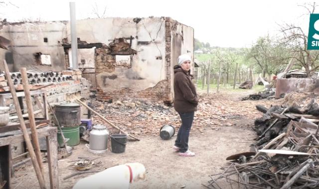 Фатальна пожежа: Історія сім'ї з Мукачівщини, яка  потребує допомоги (ФОТО, ВІДЕО)