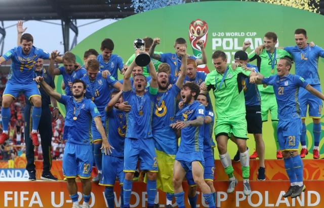 Юнацька збірна України Чемпіон світу: футболісти із закарпатцем Булецою найкращі у світі