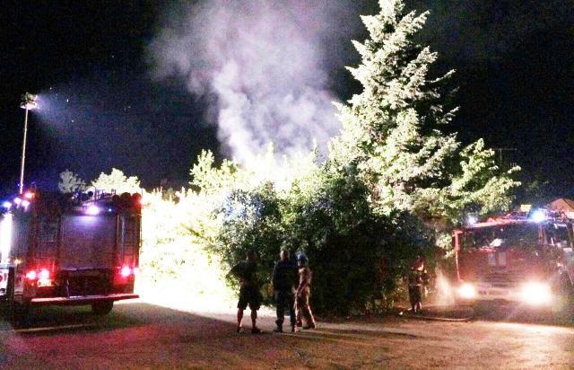 Вночі у Виноградові місцевому мешканцю спалили ВАЗ та Volkswagen (ФОТО)