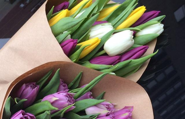 Поради: Як визначити якісну службу доставки квітів?