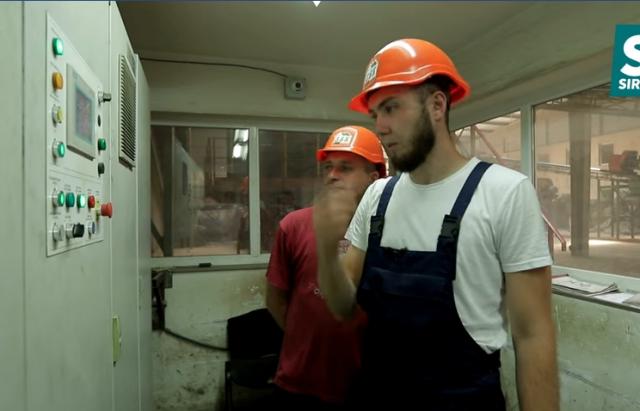 Один день: Закарпатський журналіст покаже, як працює цегельний завод (ВІДЕО)