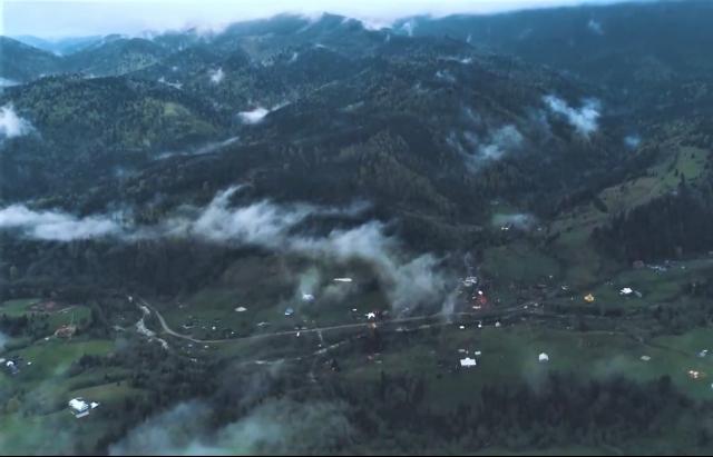 Відео дня: найвисокогірніше село українських Карпат по-між хмарами