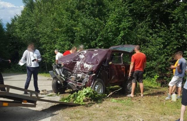 Смертельна ДТП на Хустщині: Водій та пасажир авто померли на місці (ФОТО)