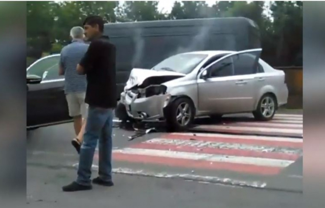 ДТП в Ракошині: На трасі Київ-Чоп зіткнулись два авто (ВІДЕО, Оновлено)