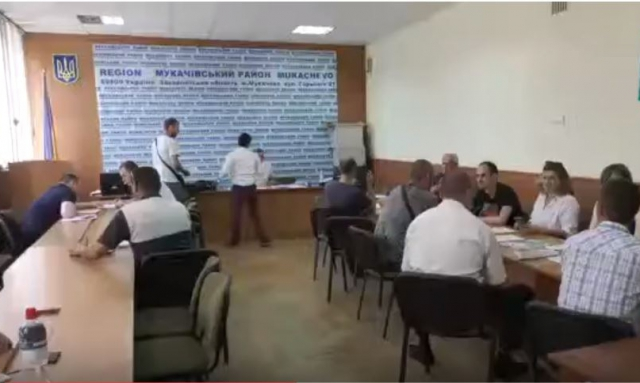 ОВК з центром у Мукачеві вирішив не перераховувати повторно голоси (ВІДЕО)