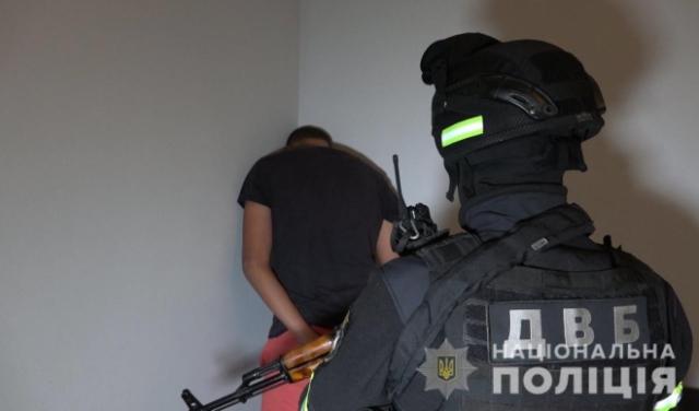 На Закарпатті заарештовано виконавців замаху на вбивство офіцера поліції Андрія Іванківа