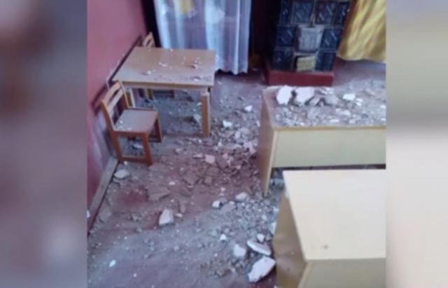 У садочку на Закарпатті впала стеля: діти дивом не постраждали (ВІДЕО)