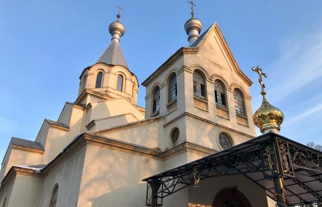 На Іршавщині діти обікрали подвір'я церкви