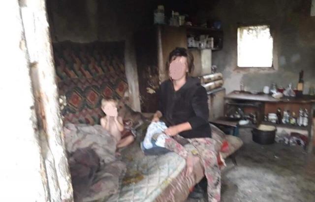 У Сваляві поліцейські врятували 2-ох хлопчиків від горе-батьків (ФОТО)