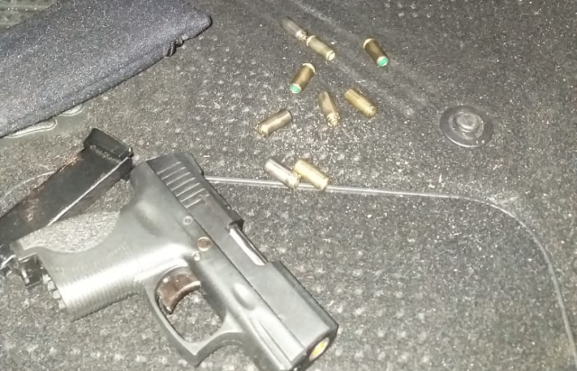 "На старт, увага, руш: На КПП ""Тиса"" в українця забрали стартовий пістолет"