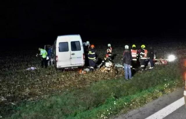 Мікроавтобус з українськими заробітчанами потрапив в ДТП в Чехії (ФОТО)