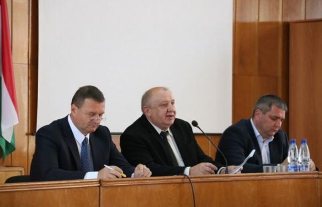 Реформу перенесено: Питання територіального поділу Берегівського району перенесли на наступну сесію