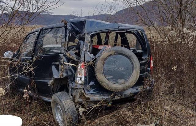 На Хустщині «Chevrolet Niva» злетіла у кювет: загинула 67-річна жінка(ФОТО)