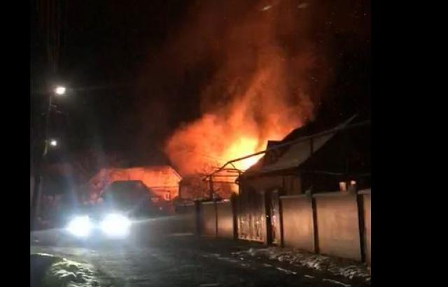 На Мукачівщині сталася масштабна пожежа (ВІДЕО)