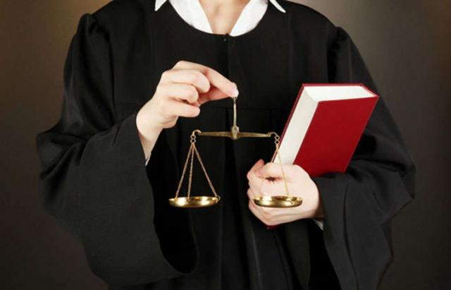 Зеленський призначив на Закарпаття 2 суддів