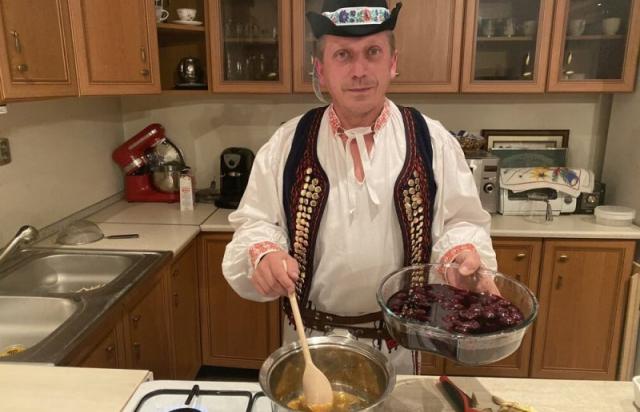 Рецепт дня: словацькі русини готують на Святвечір вишневий суп (ФОТО)
