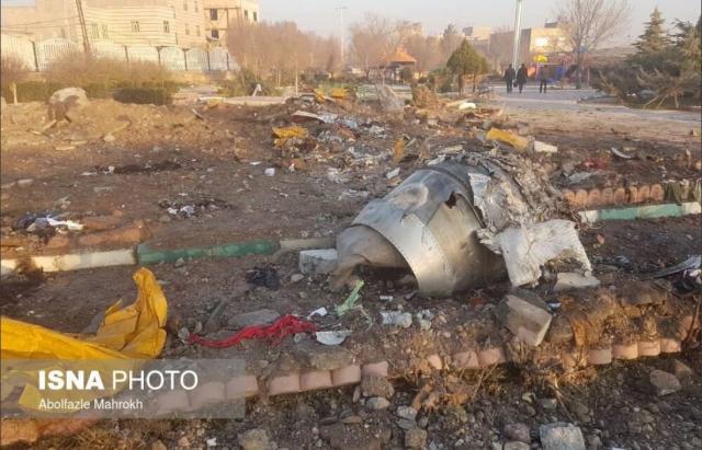 """Розбився літак """"МАУ"""" в Ірані. Всі пасажири рейсу """"Тегеран-Київ"""" загинули. Усі подробиці (ФОТО, ВІДЕО)"""