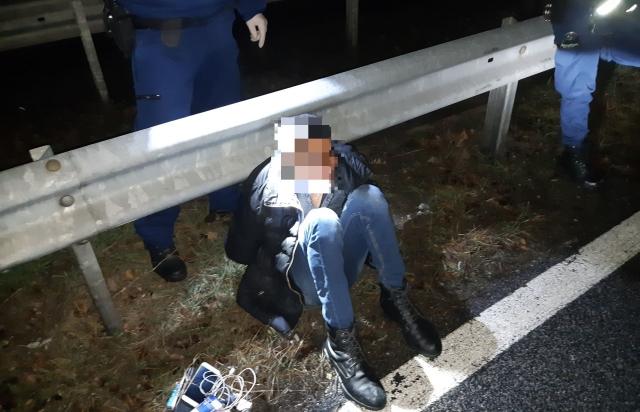 В Угорщині затримали українця на BMW, який перевозив 6-х нелегалів з Сирії (ФОТО)