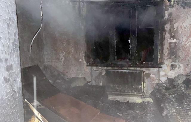 Пожежа в Ужгороді: через дитячі пустощі загорівся будинок (ФОТО)