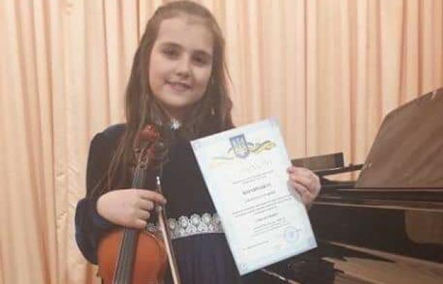 Юні скрипачки з Мукачева вибороли призові місця на обласному конкурсі (ФОТО)
