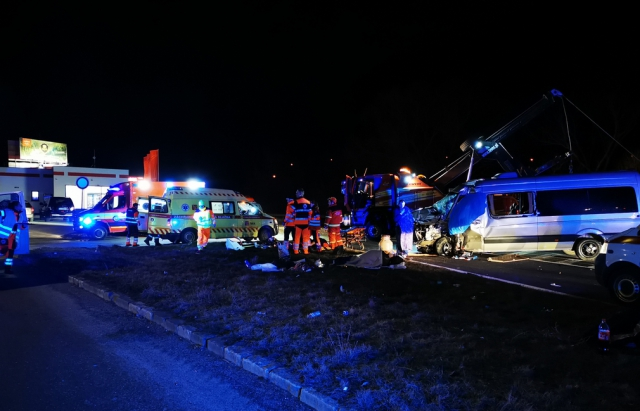 Заробітчани із Закарпаття потрапили в смертельну ДТП у Словаччині (ФОТО)