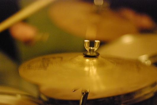 барабан, ударні