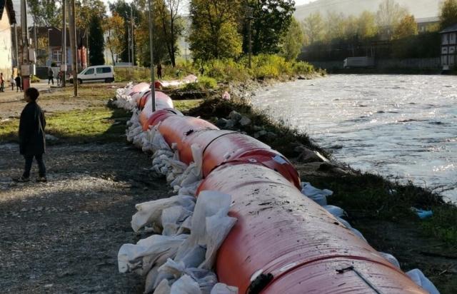 Перша жертва повені у Словаччині. Деякі села повністю під водою (ФОТО, ВІДЕО)
